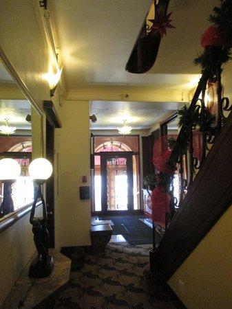 Le Manoir d'Auteuil: Le hall d'entrée