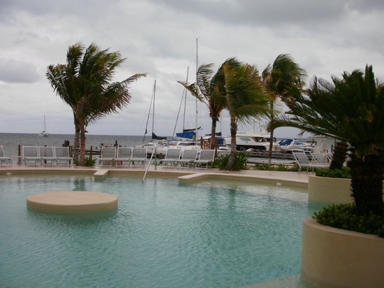 Cancun Bay Resort: Muelle cercano