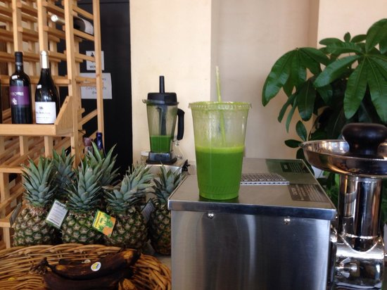 Agora Bar and Grill : Green juice! Best in Baltimore!