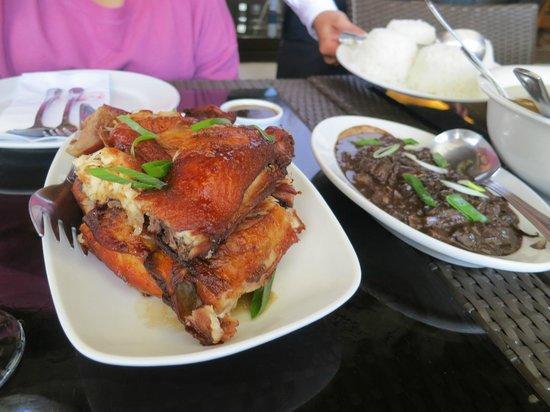 Rowena's Cafe: fried chicken and pork dinuguan