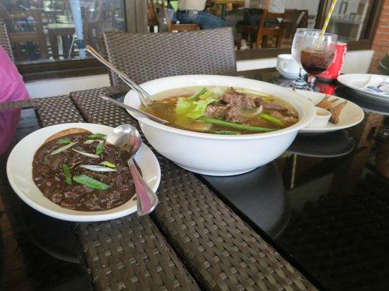 Rowena's Cafe: bulalo soup