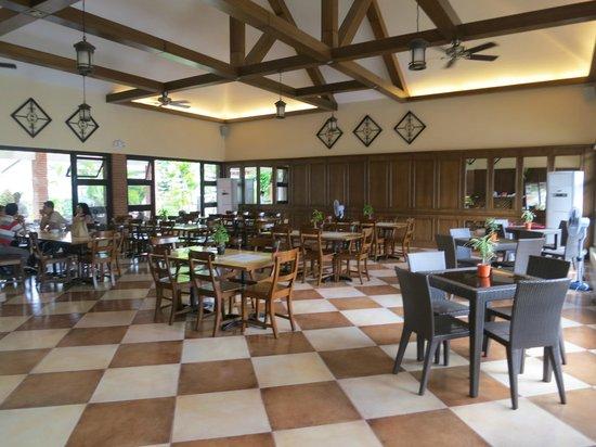 Rowena's Cafe: indoor dining area