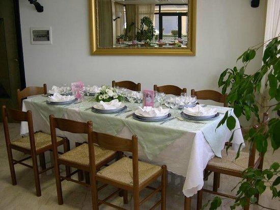 Albergo Cri Cri: Sala ristorante