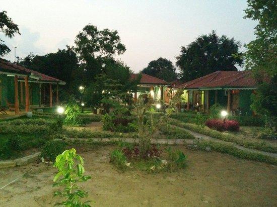 Sigiriya Melrose Villas: Giardino