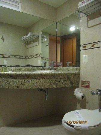 Hotel San Diego: nice bath