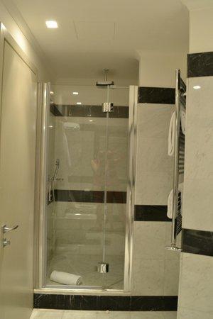 Hotel Lunetta: Awesome Rainfall shower