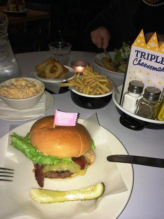 Byron Hammersmith: Cheeseburger classic
