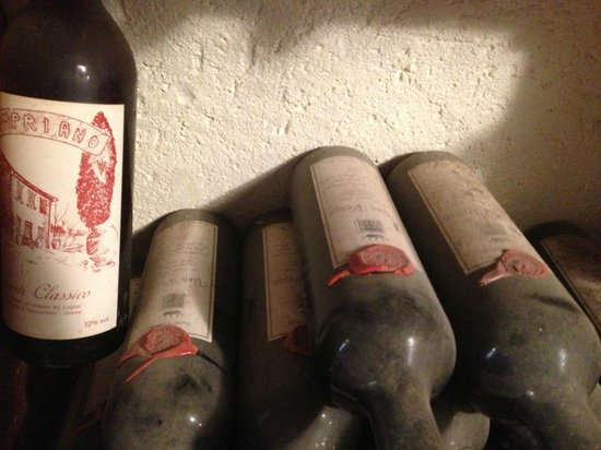 Podere Campriano: Wine from another time :)