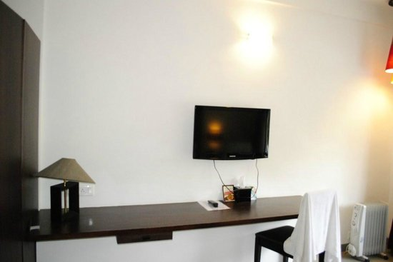 Munnar - Terrace Greens, A Sterling Holidays Resort: TV