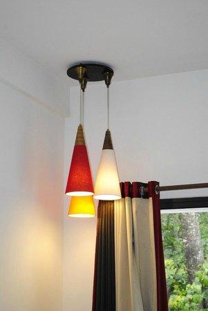 Munnar - Terrace Greens, A Sterling Holidays Resort: Lamps