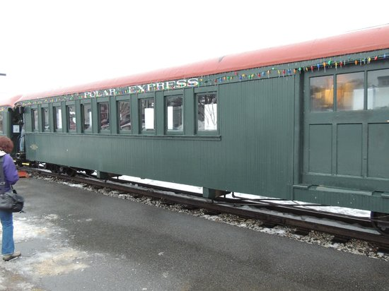 Maine Narrow Gauge Railroad Company and Museum: first class car
