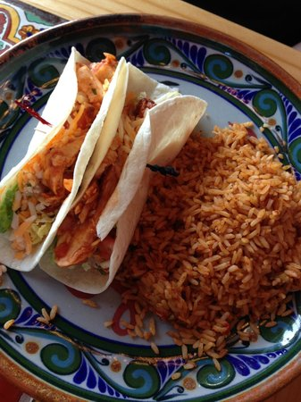 Las Palapas Resort Grill: Chicken Adobo Taco's with their Spanish rice