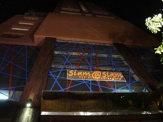 Siam@Siam Design Hotel Bangkok: Das Siam@Siam, auch Nachts designgestaltet