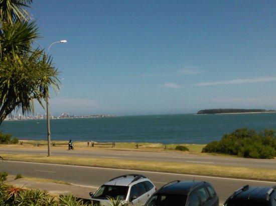 Baie des Anges Apart Hotel: Vista a la playa desde el balcón