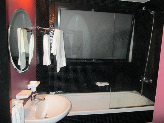 Epico Recoleta Hotel: ducha