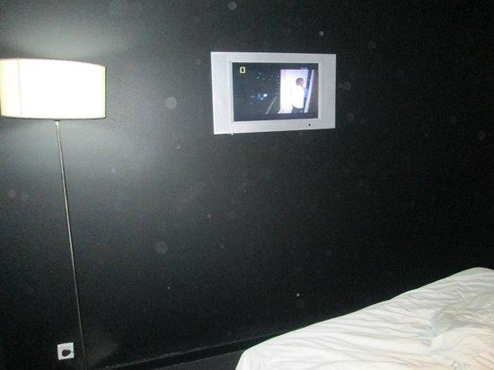 1910 Laprida Hotel: televisor pequeño
