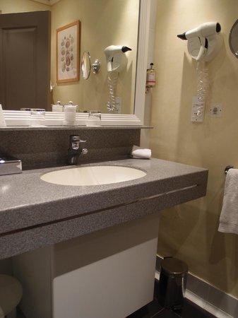 Castel Clara Thalasso & Spa : la salle de bain