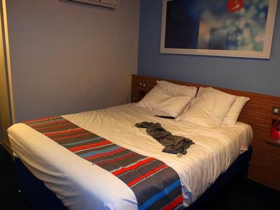 Travelodge London Central Southwark: The bed