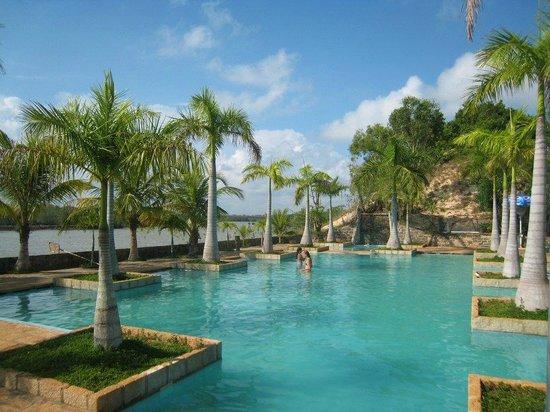 River Ray Estates Resort : En skøn dag ved poolen