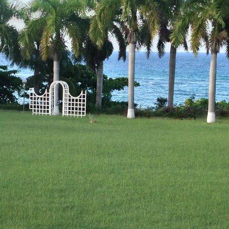 Sea Castles Beach Condos: Beach/Grounds