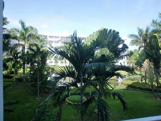 ClubHotel Riu Ocho Rios: Thomsons idea of a 'sea view'