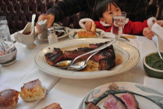 Peter Luger Steak House : ステーキ ほうれん草クリーム煮
