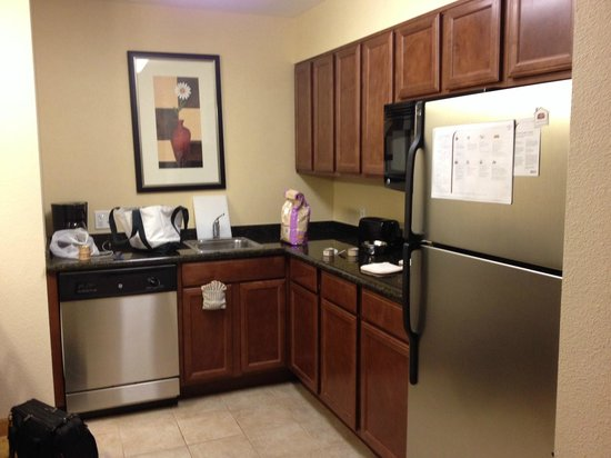 Residence Inn Tucson Airport: Full kitchen