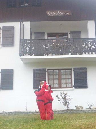 Chalet Almandine: Outside chalet before snow arrived