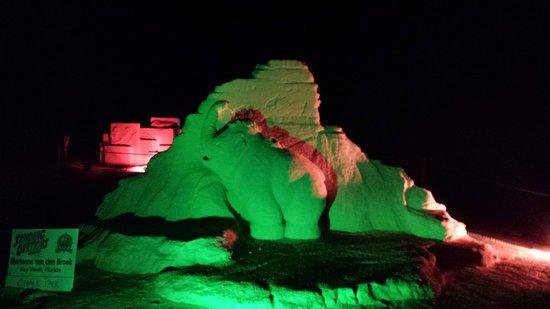 Bilmar Beach Resort : More sculptures