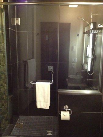 Hotel Sainte-Anne : Salle de bain