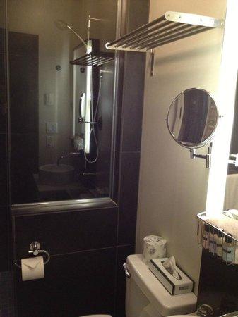 Hotel Sainte-Anne: Salle de bain