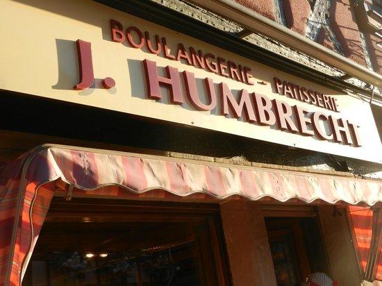 A la Vignette : Bakery located down the road...delicious fresh bread/croissants