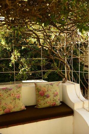 Akademie Street Boutique Hotel : private garden