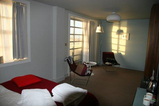 The Midland: Room
