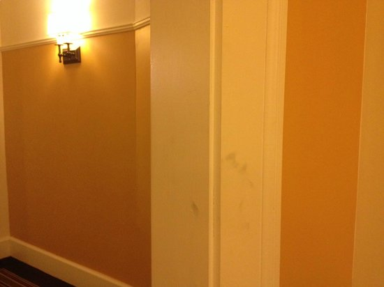 Omni Bedford Springs Resort: Hand print that remained during my 3-day stay