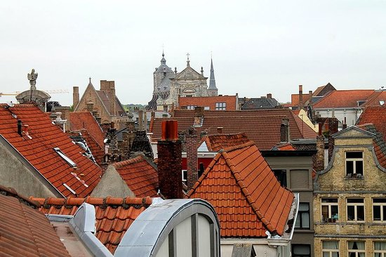 Hotel Heritage - Relais & Chateaux: The roofs Bruges is so famous for, seen from my room in Hotel Heritage