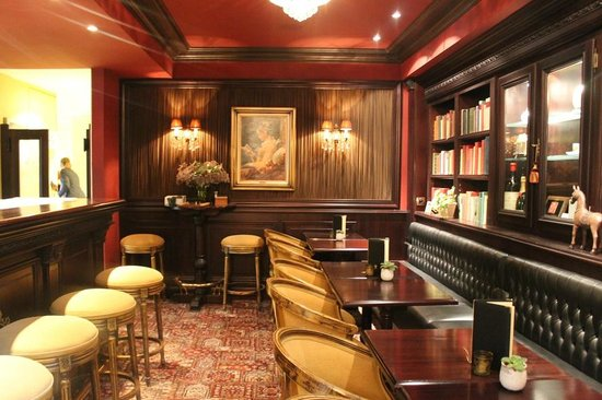 Hotel Heritage - Relais & Chateaux: The bar at Hotel Heritage
