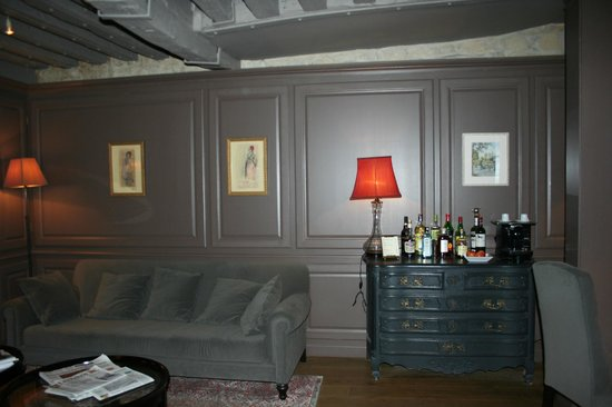 Hotel Verneuil: lounge