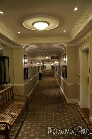 Cape Grace: Hallway