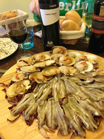 Al Fureghin: Scallops and fresh anchovies
