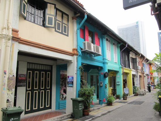 Kampong Glam : Arab quarters street with coloful houses