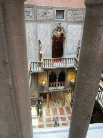 Hotel Danieli, A Luxury Collection Hotel: Inside courtyard view