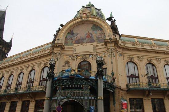 Avantgarde Prague Tours : Maison municipale de Prague