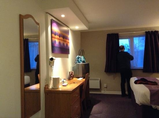 Premier Inn St. Helens (A580/East Lancs) Hotel: Basic but exceptionally clean