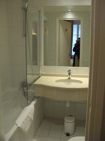 Best Western Hotel Folkestone Opera : Folkestone Opera, Room 309, Bathroom