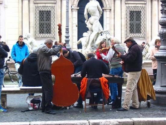 Residenza Arco dei Tolomei: Piazza Navona
