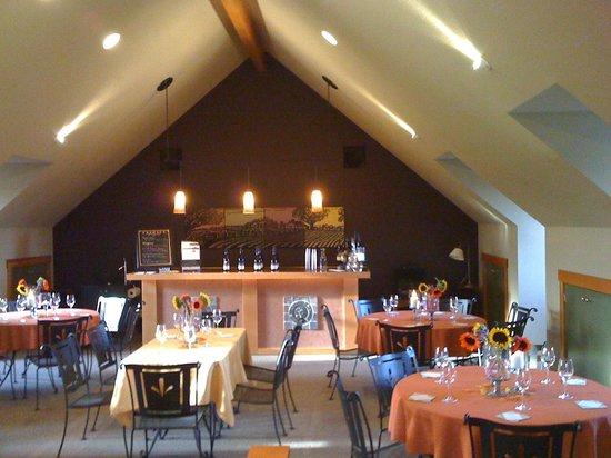 Trinity Vineyards: Gorgeous Tasting Room