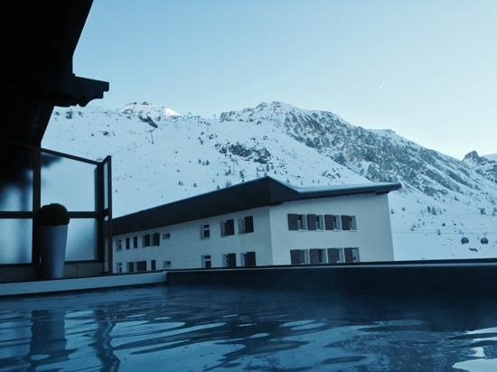 Hotel Les Campanules: view from the pool