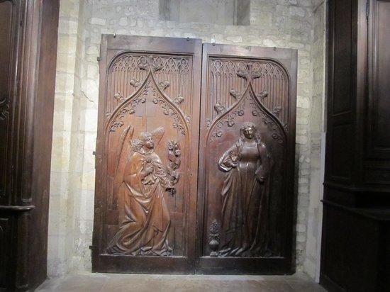 Cathédrale Notre-Dame de Reims : Old carved wooden doors