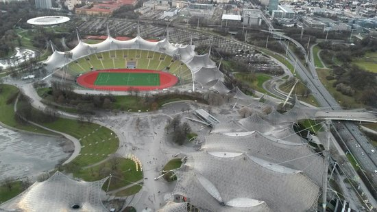 Olympiapark: Olympiastadion fotografiert vom Olympiaturm
